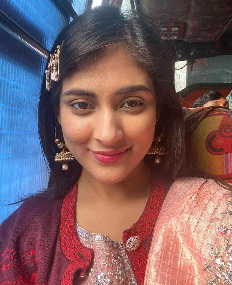 Mehazabien Chowdhury Selfie 04
