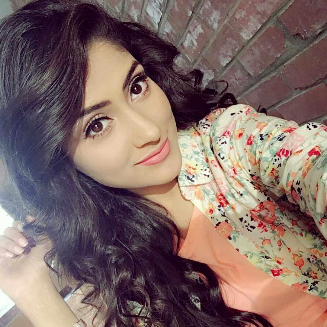 Mehazabien Chowdhury Selfie Photo