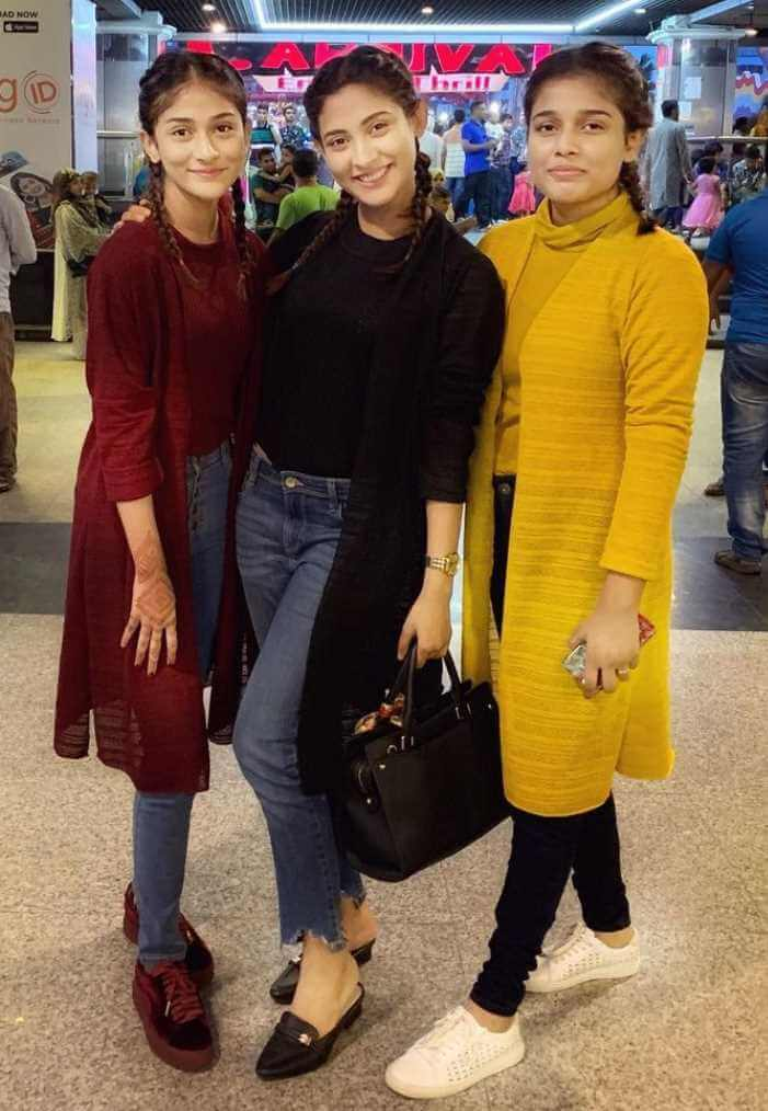 Mehazabien Chowdhury with her Sisters Photo