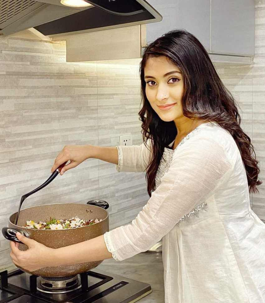 Mehazabien Chowdhury at Cooking Time pic