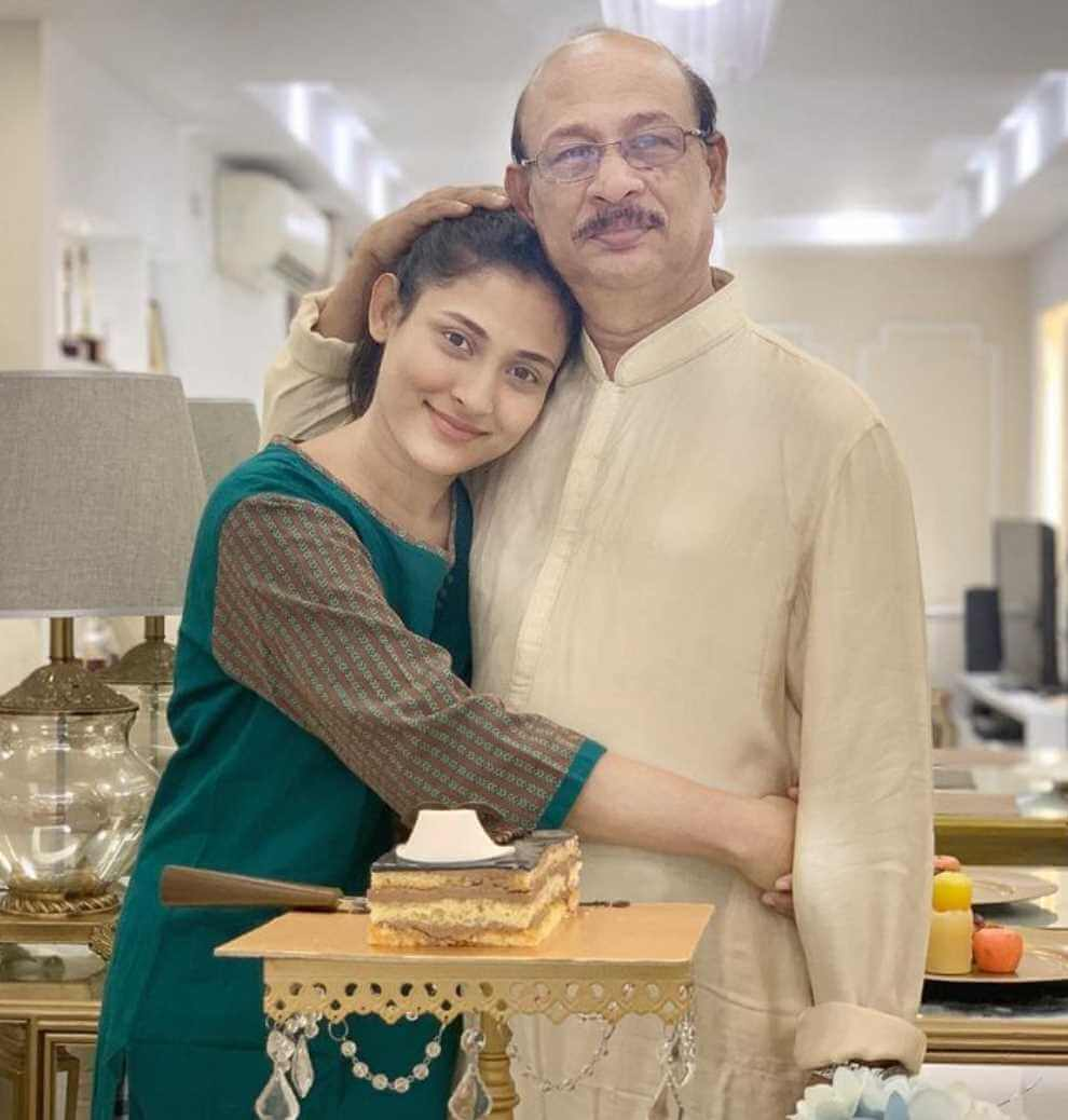 Mehazabien Chowdhury with her Father Photo