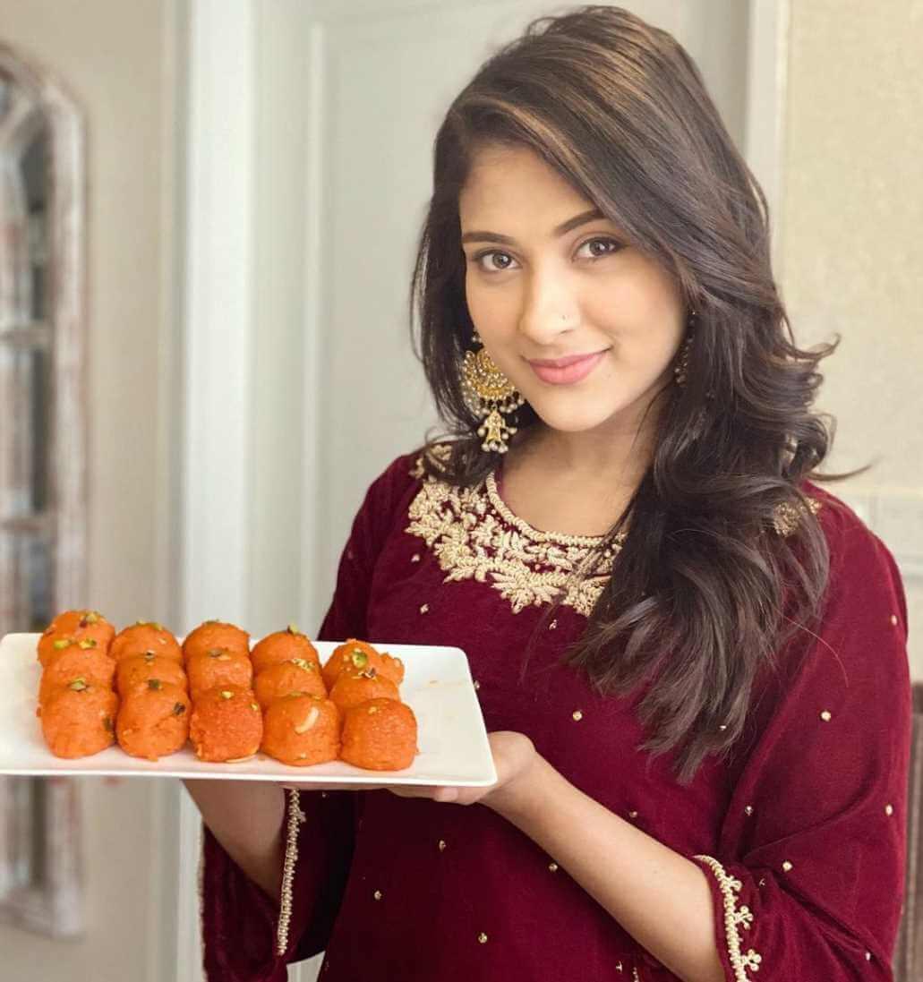 Mehazabien Chowdhury with Sweet