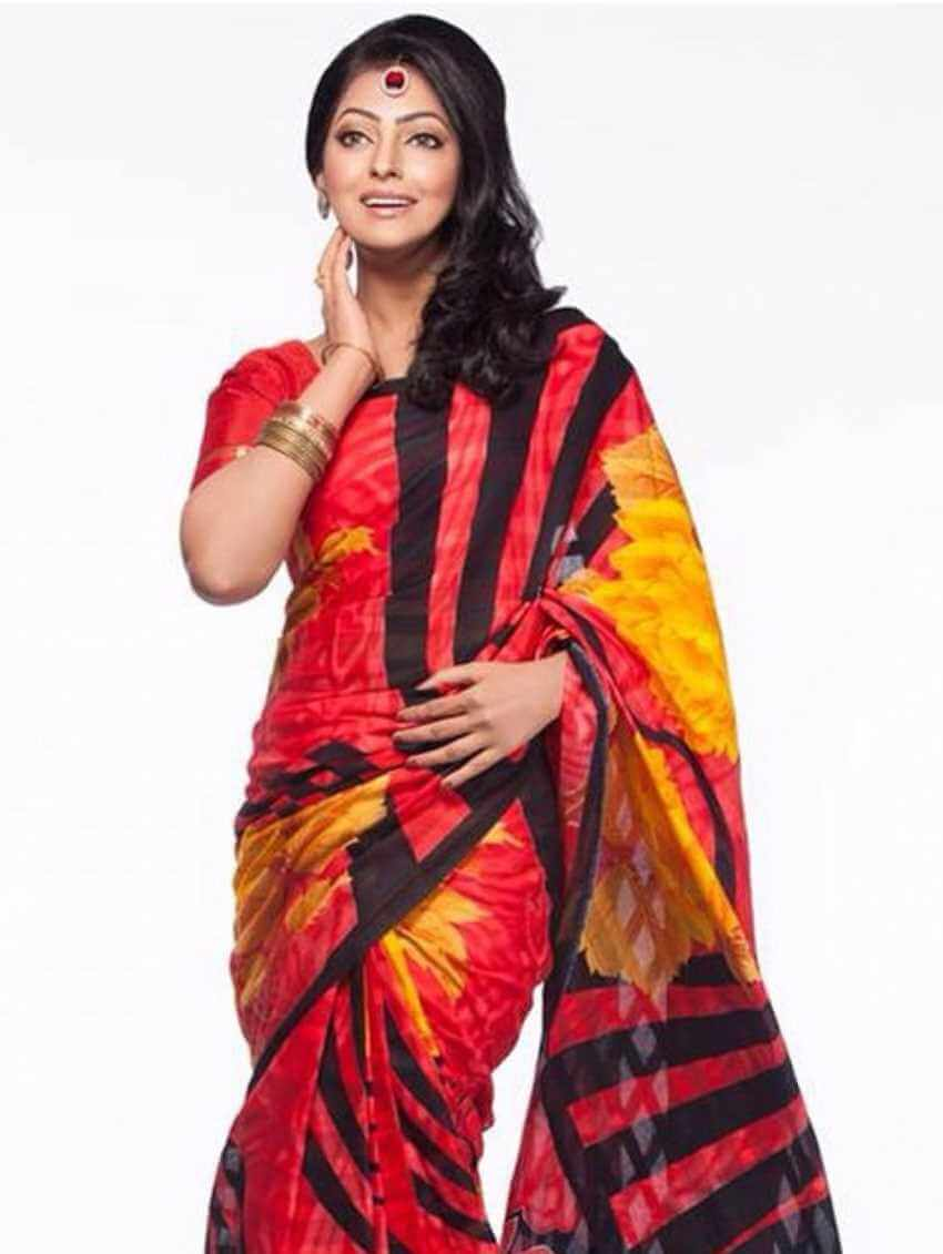 Nipun Akter Saree Photo3