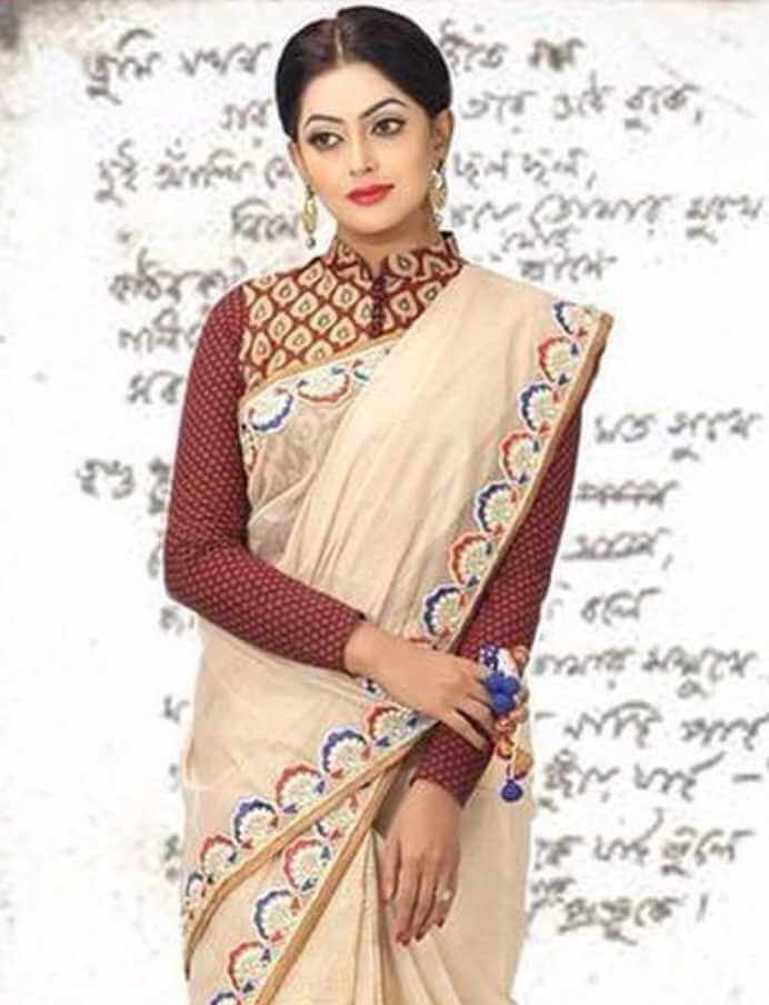Nipun Akter Saree Photo4