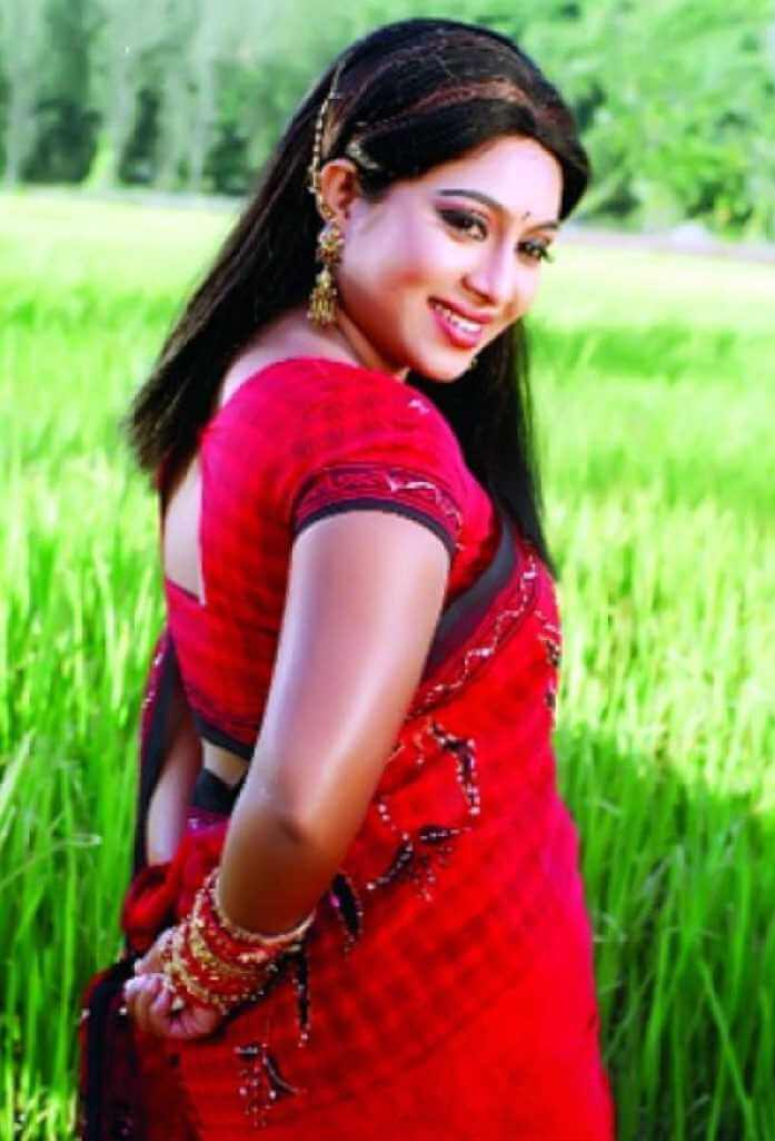 Shabnur Hot Saree Pic