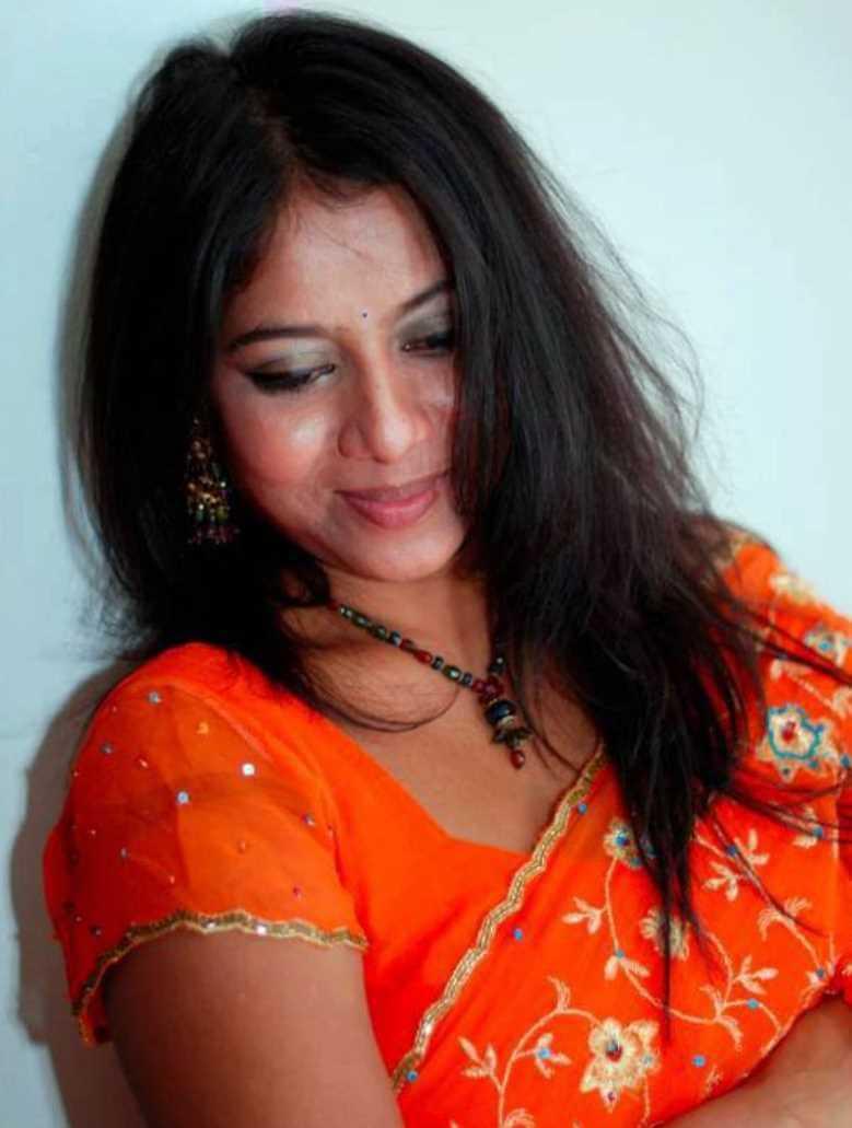 Shabnur Hot Saree Picture
