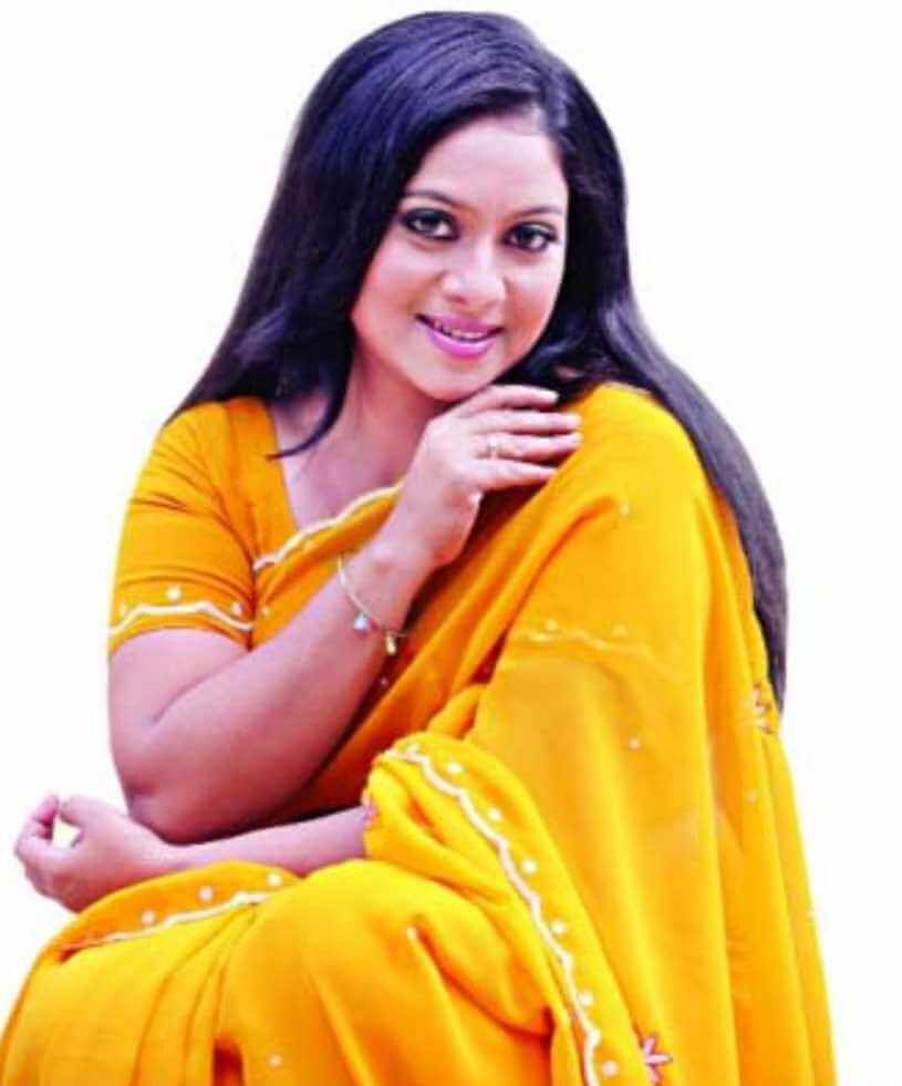 Shabnur New Saree Photo