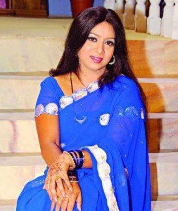 Shabnur Old Saree Pic