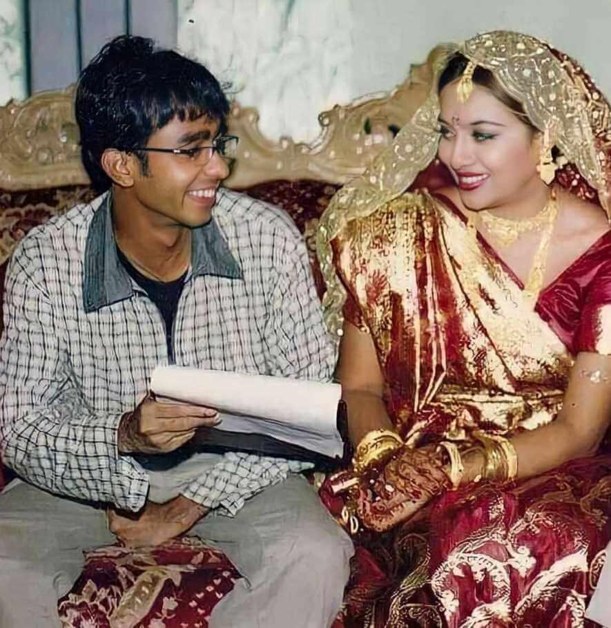Shabnur Photo of Debut film with Mostafizur Rahman Manik