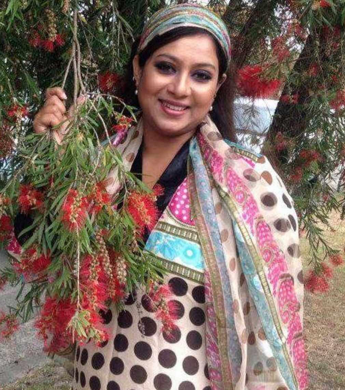 Shabnur Salwar Kameez Style Pciture