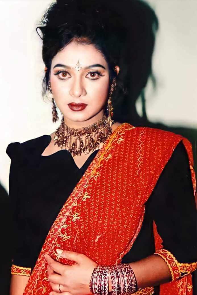 Shabnur Saree Picture