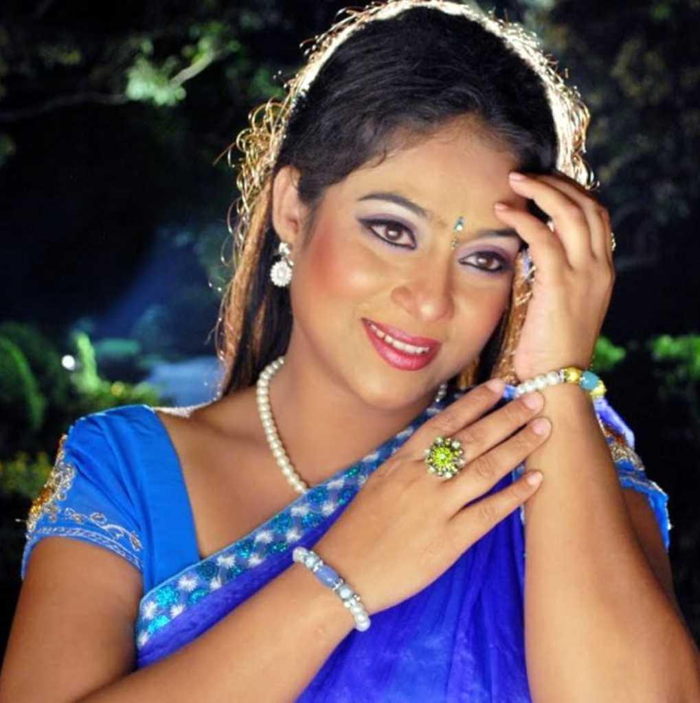 Shabnur Saree Style Photo