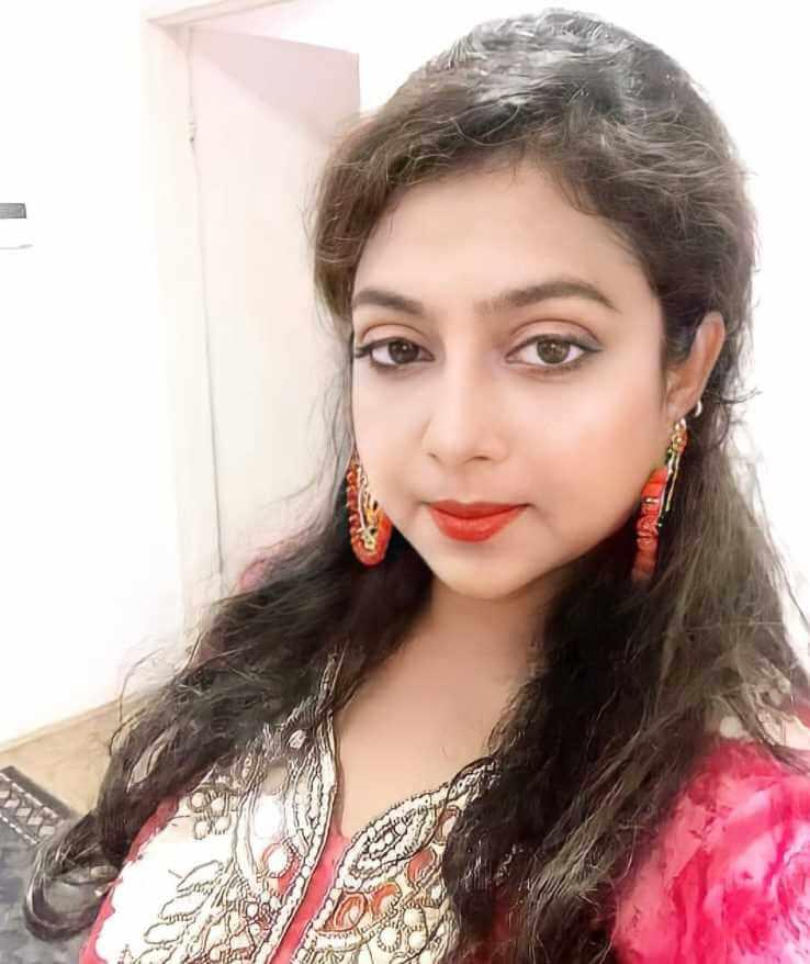Shabnur Style Selfie