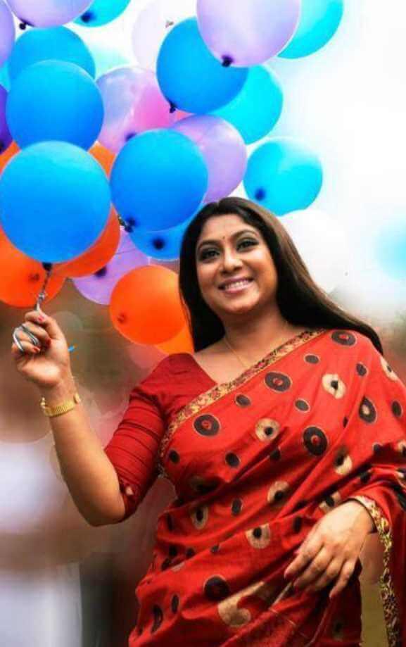 Shabnur beautiful Saree pic