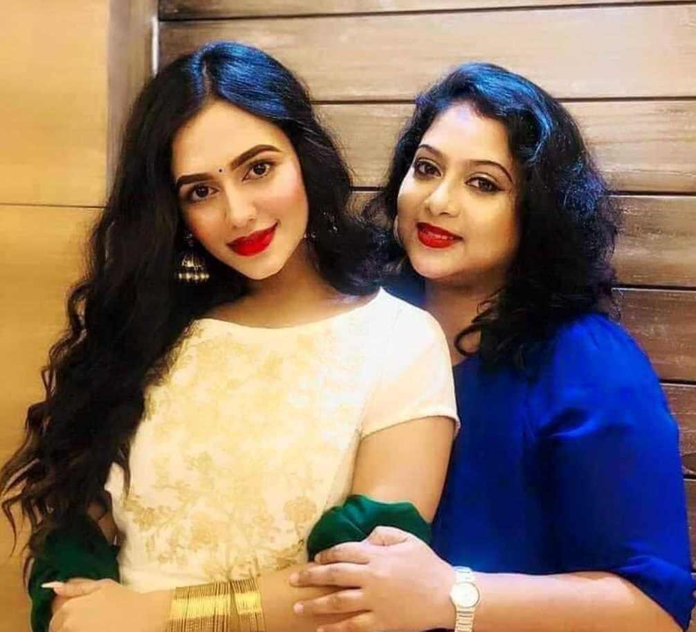 Shabnur with Nusrat Faria Photo