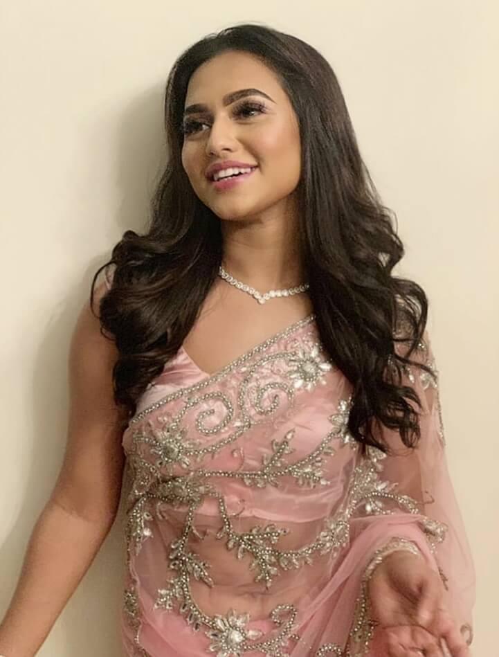 Bangladeshi actress Nusrat Faria Mazhar smile photo 1