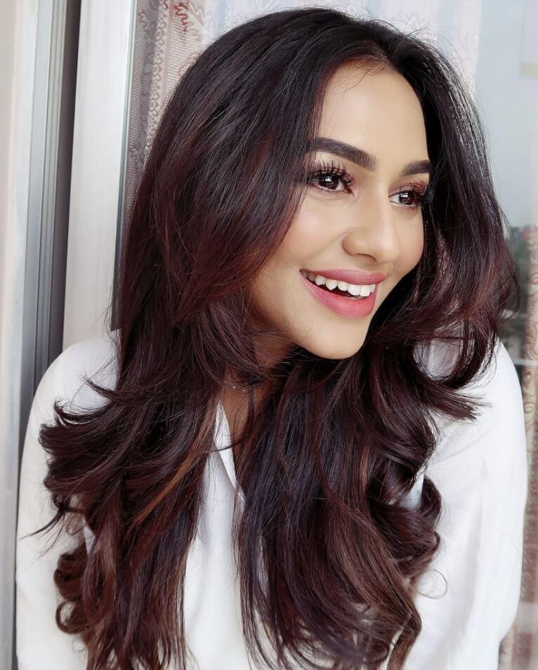 Bangladeshi actress Nusrat Faria Mazhar smile photo 2