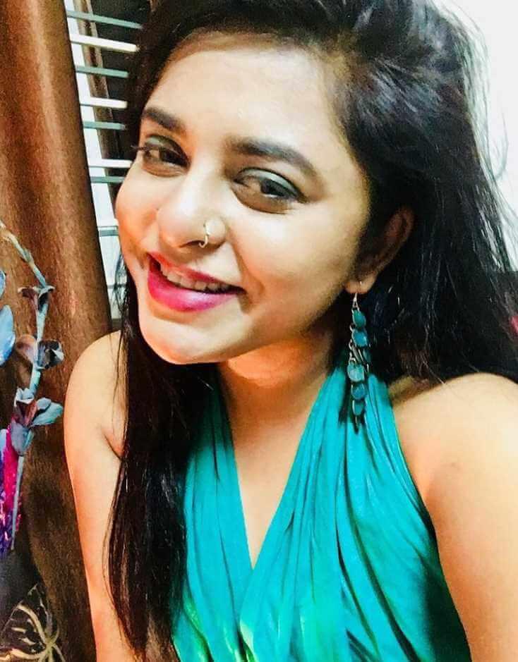 Jyotika Jyoti Smile Selfie