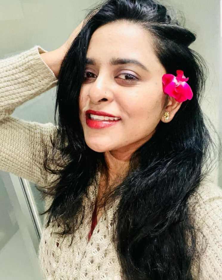 Jyotika Jyoti Sweet Selfie