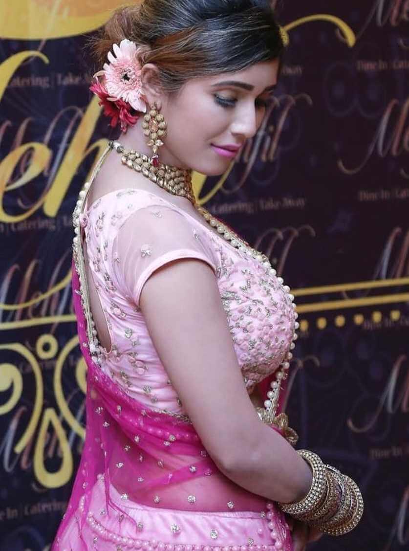 Naila Nayem 2021 Saree Photo