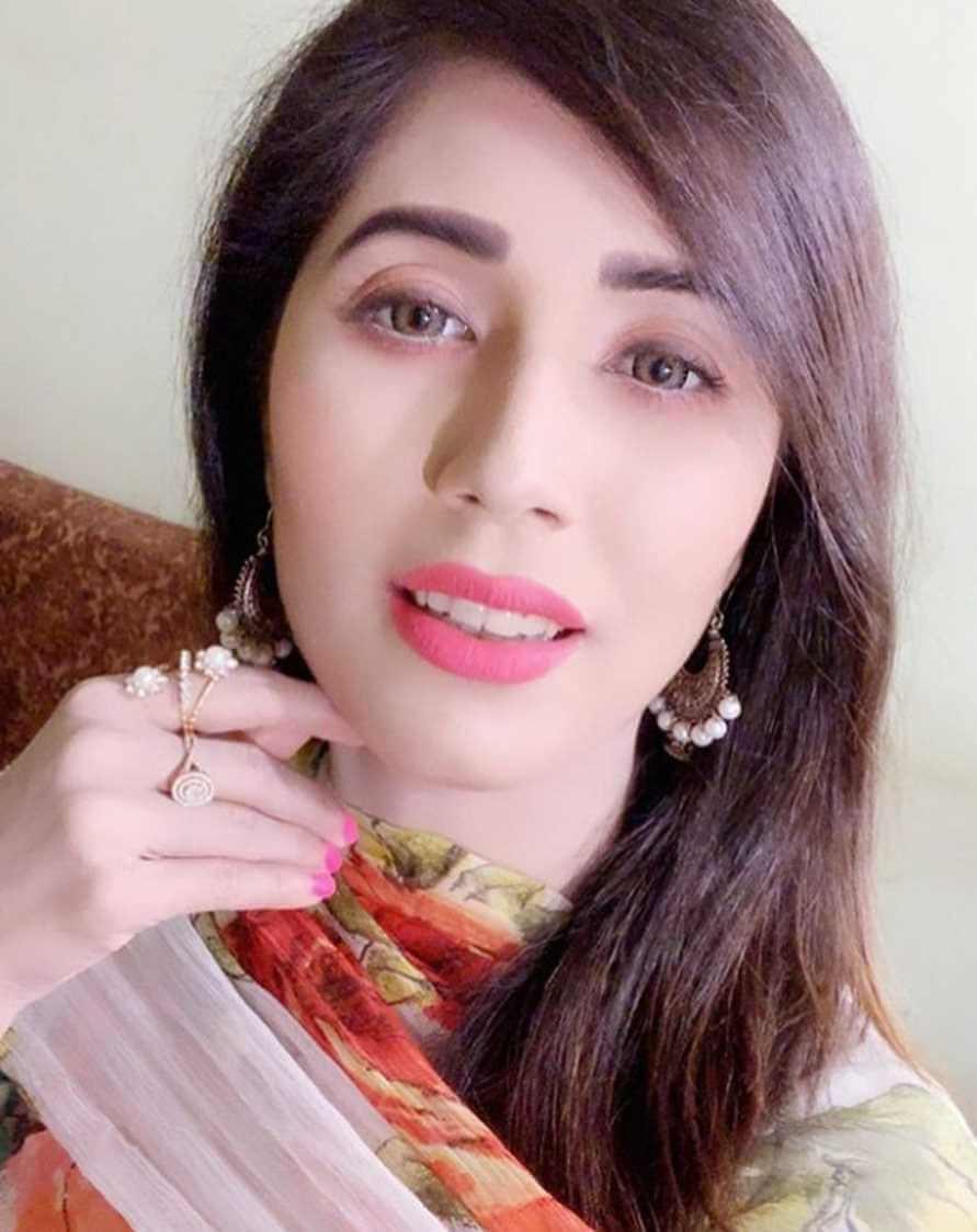 Naila Nayem Beautiful Selfie