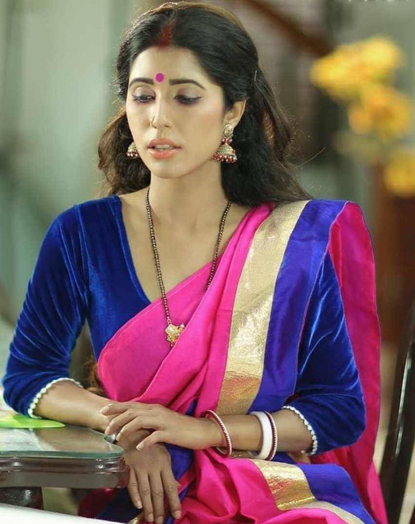 Naila Nayem HD Saree Photo