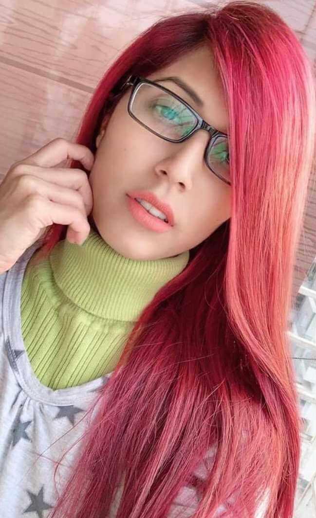 Naila Nayem Hair Style Selfie