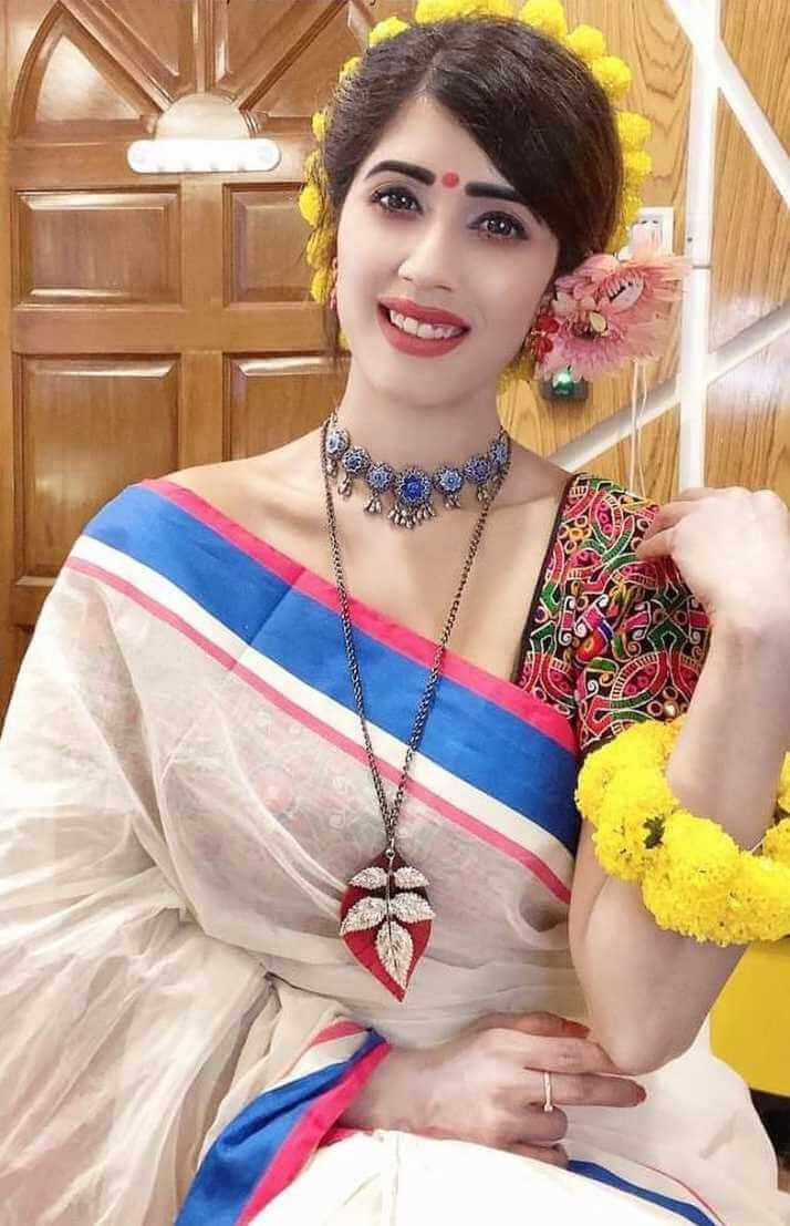 Naila Nayem Old Saree Picture