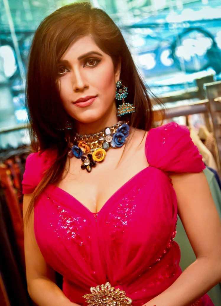 Naila Nayem Salwar Kameez Style Image