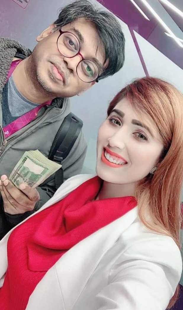 Naila Nayem Selfie with her Co-Artist