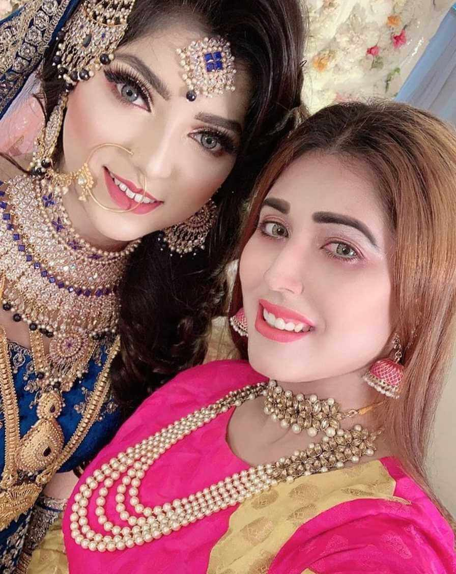 Naila Nayem with co-actrees wedding Pic