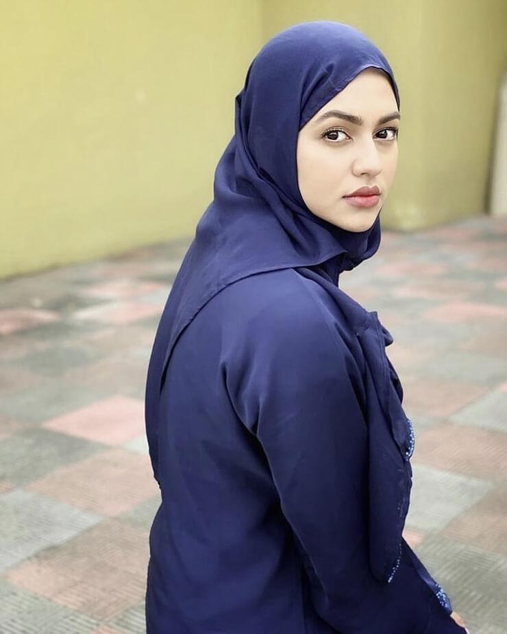 Nusrat Faria Hijab photo
