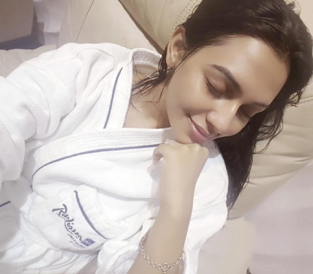 Nusrat Faria Mazhar selfie picture 3