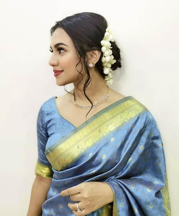 Nusrat Faria Saree photo