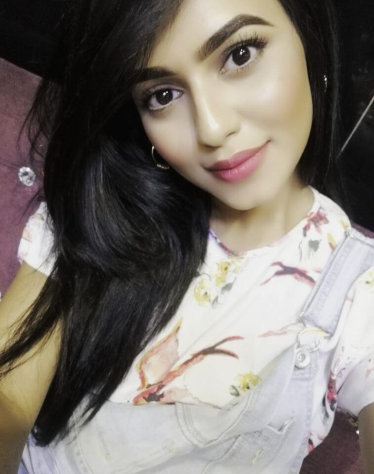 Nusrat Faria Selfie image