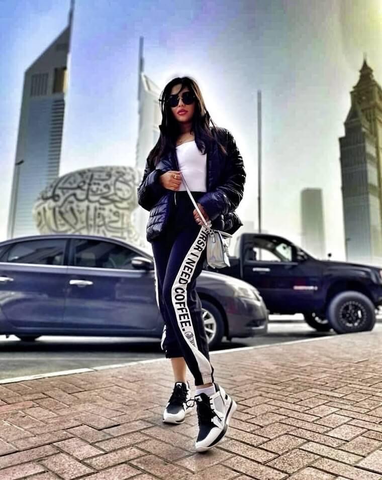 Nusrat Faria car photo