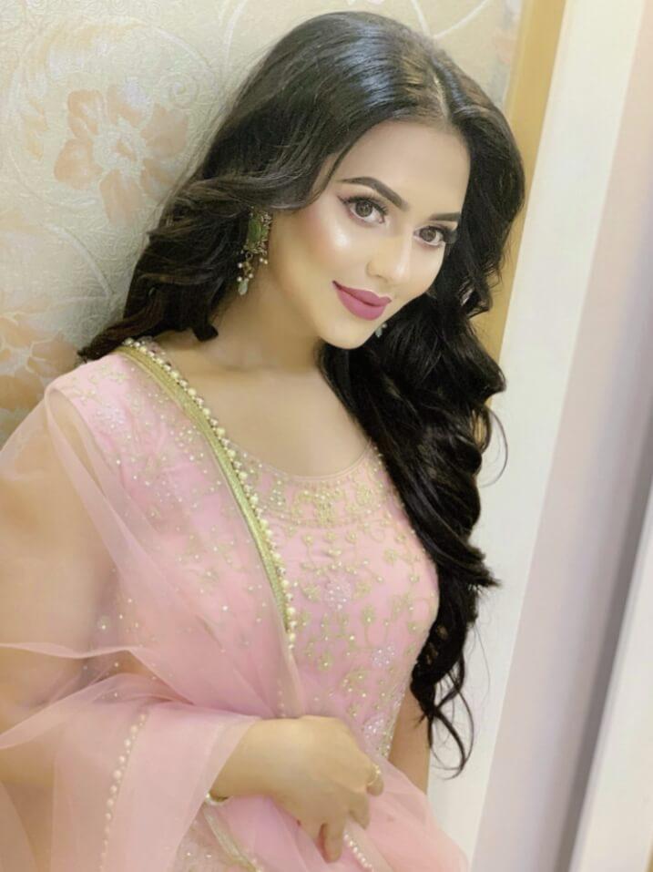 Nusrat Faria hot pic 2