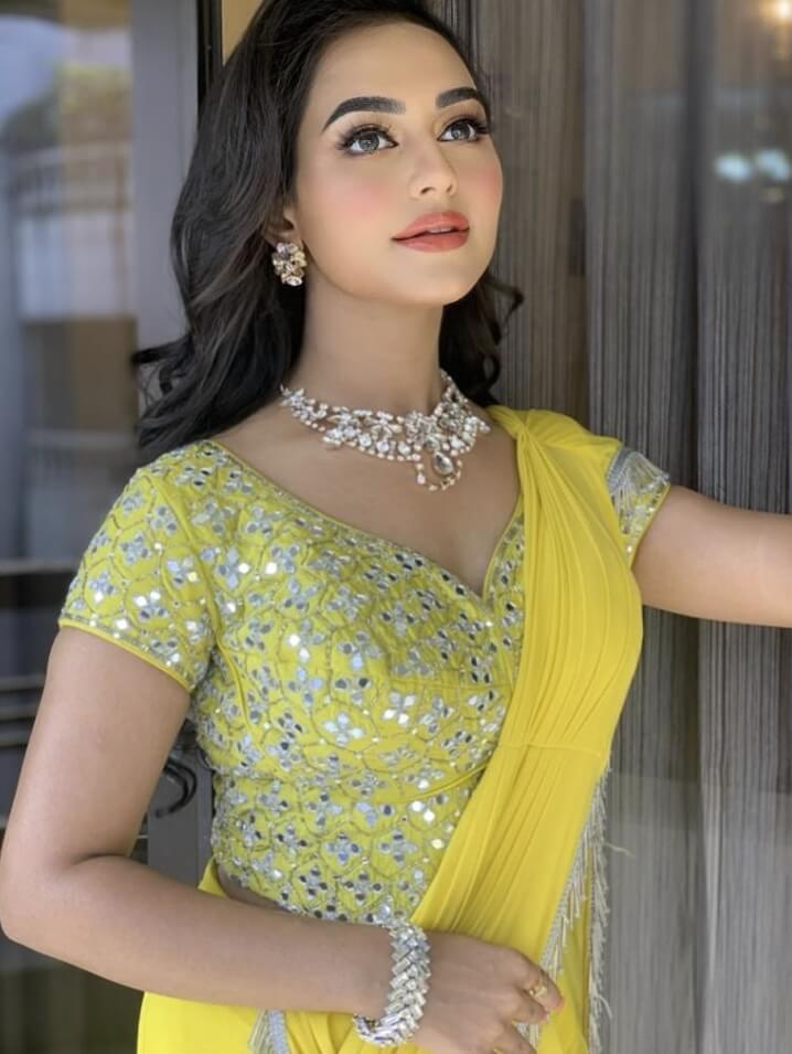 Nusrat Faria hot picture 1