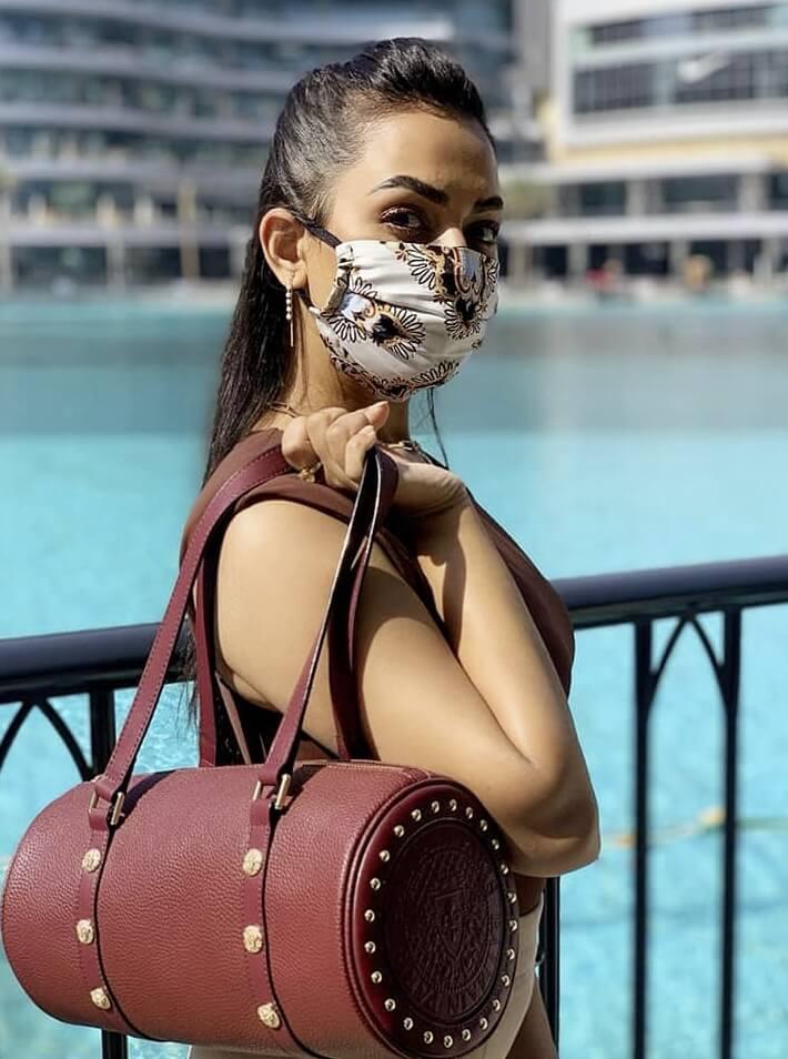 Nusrat Faria modern style photo 7