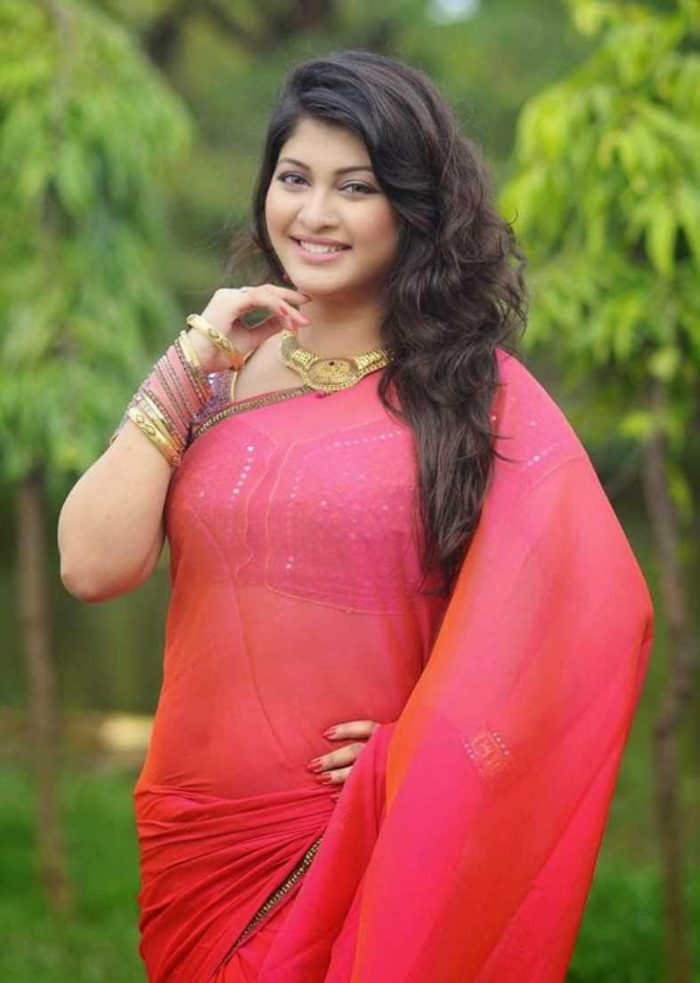 Sarika Sabrin HD Saree Photo