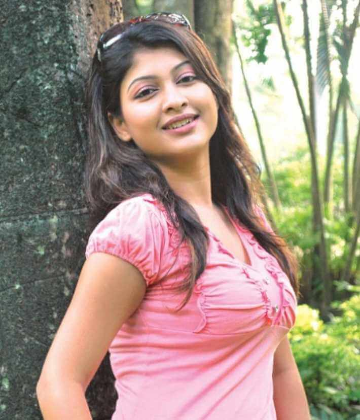 Sarika Sabrin HD hot pic