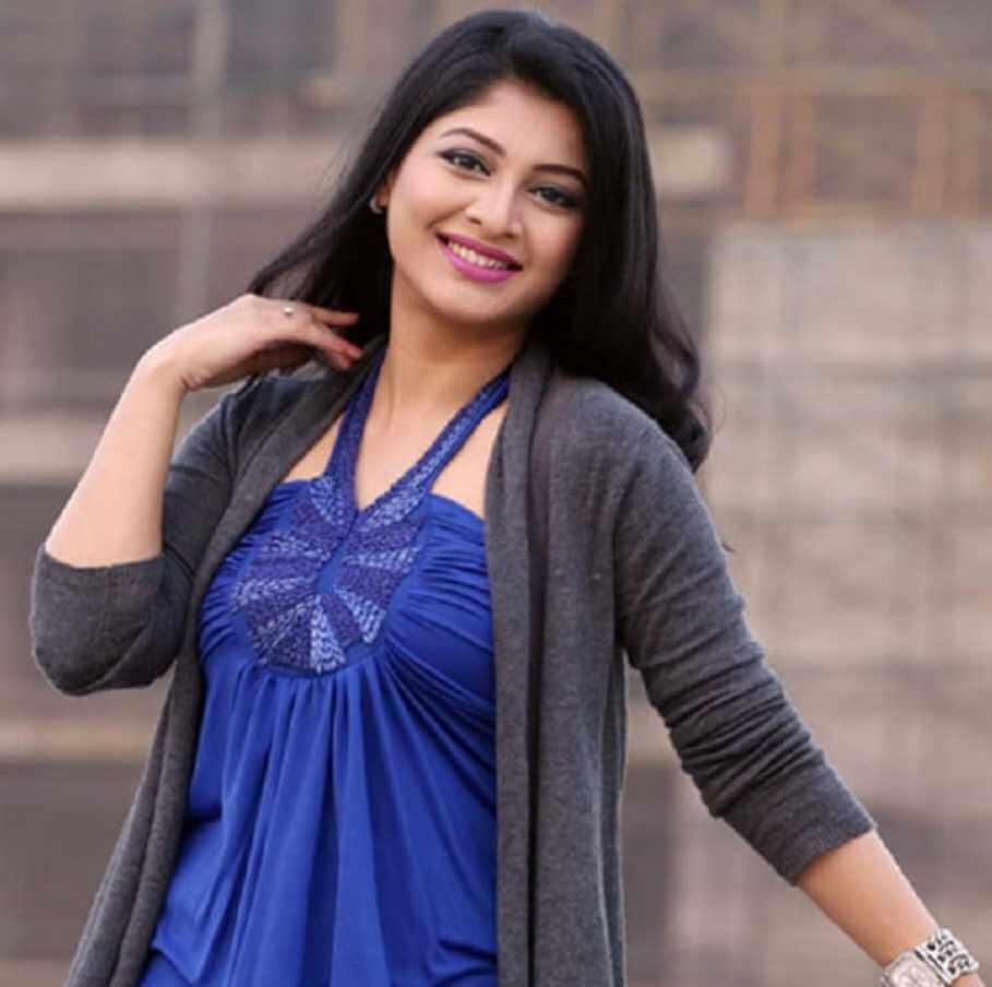 Sarika Sabrin HD Hot Picture