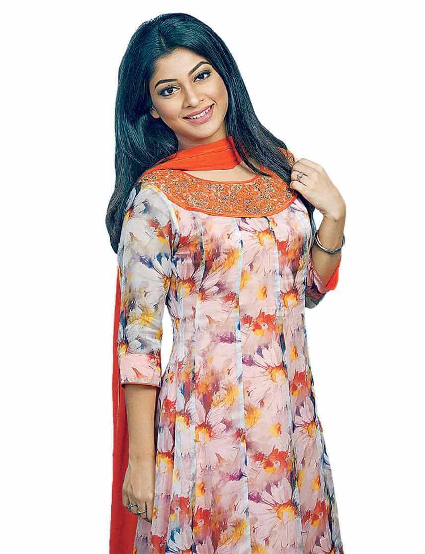 Sarika Sabrin Hot Picture