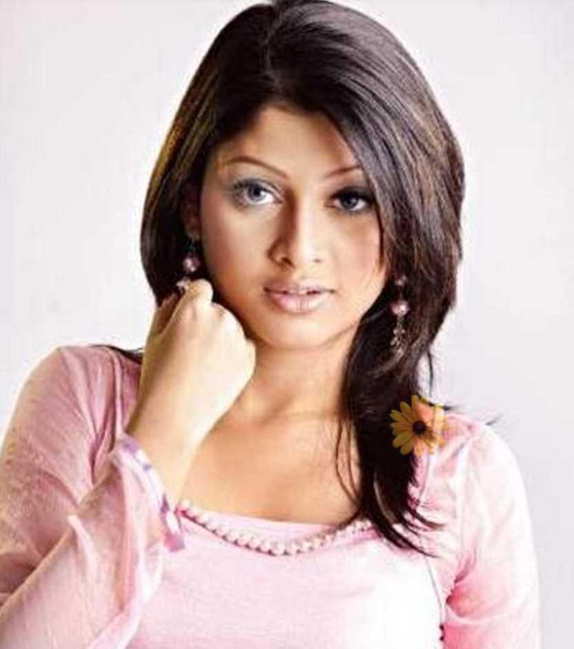 Sarika Sabrin Old Pic
