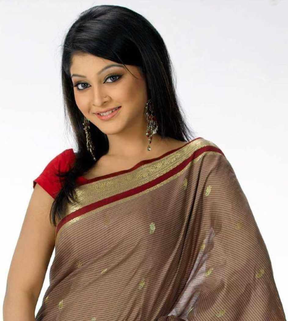 Sarika Sabrin Old Saree Pic