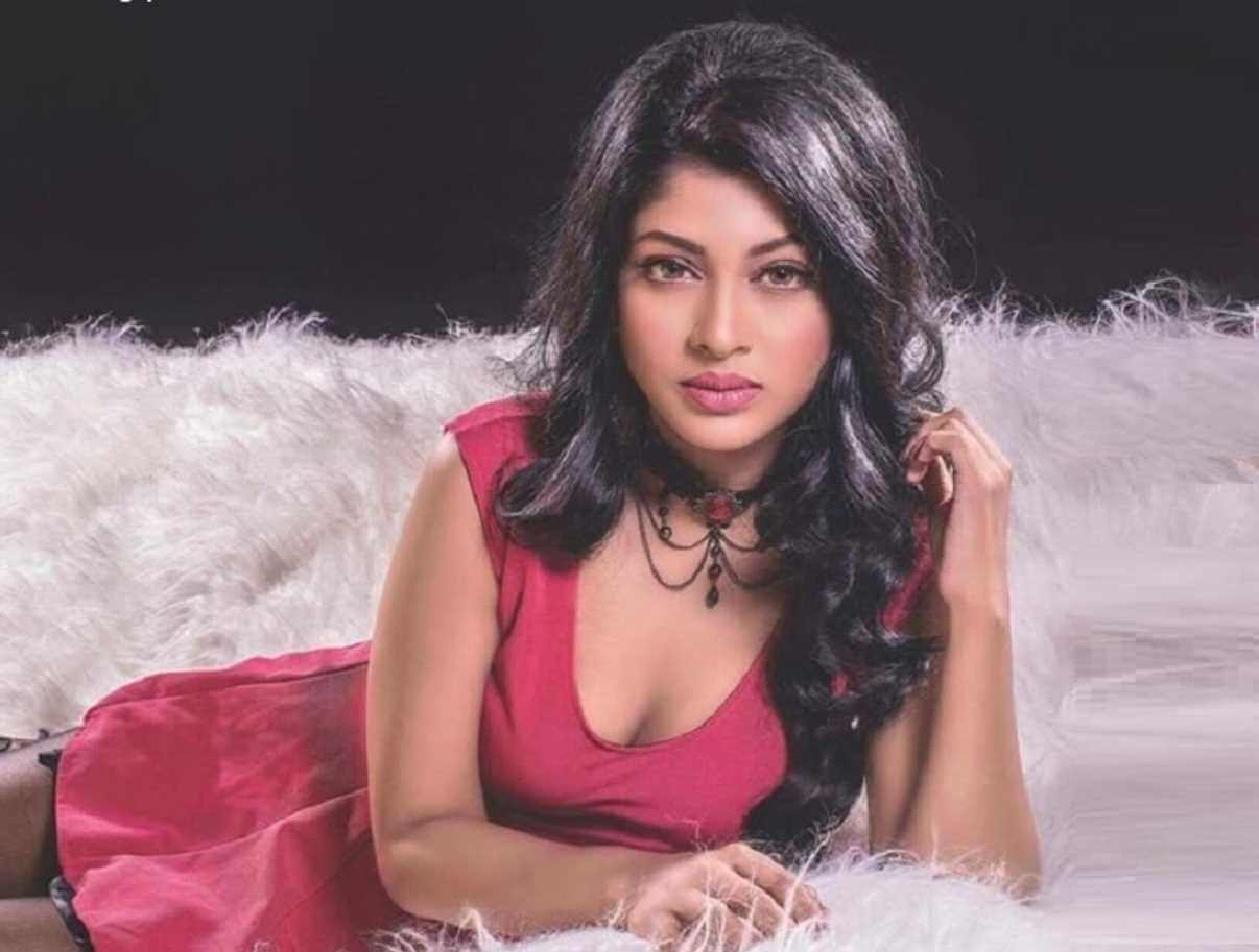 Sarika Sabrin Red Color Dress Image