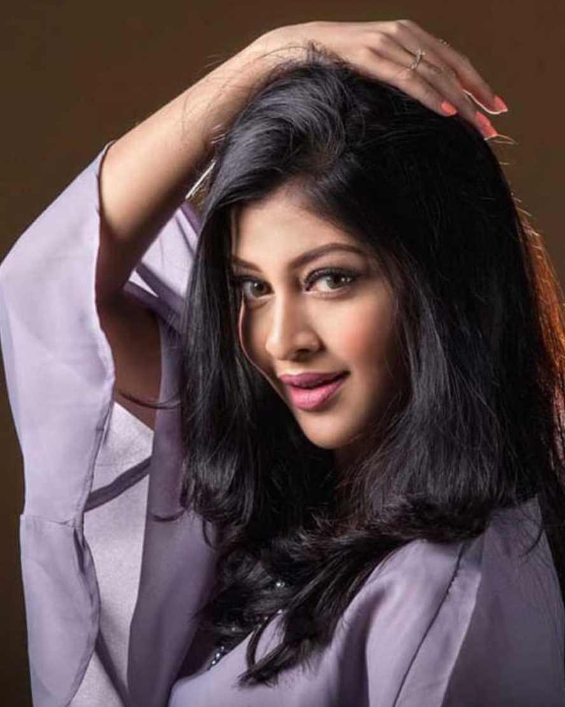 Sarika Sabrin Selfie 2
