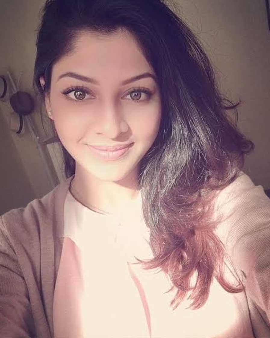 Sarika Sabrin Selfie Image