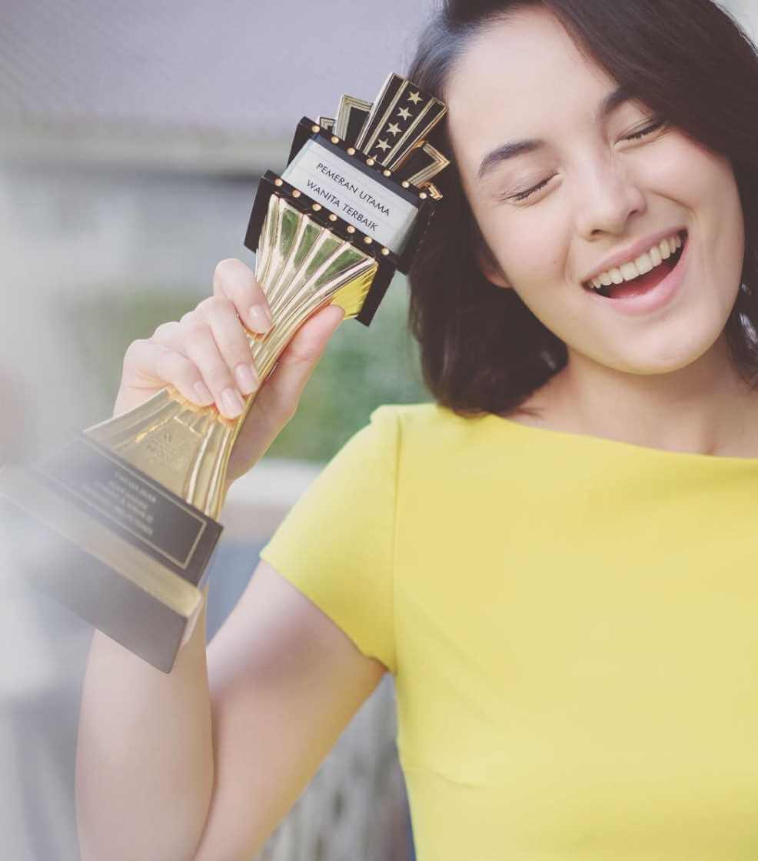 Chelsea Islan Award Picture