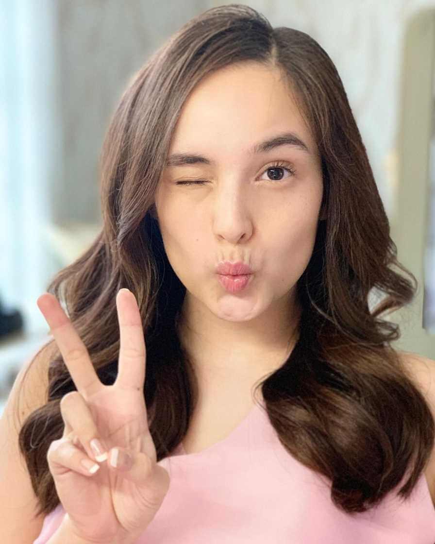 Chelsea Islan Selfie 5